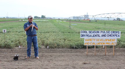 Chen talks to Montana growers about cool season pulses