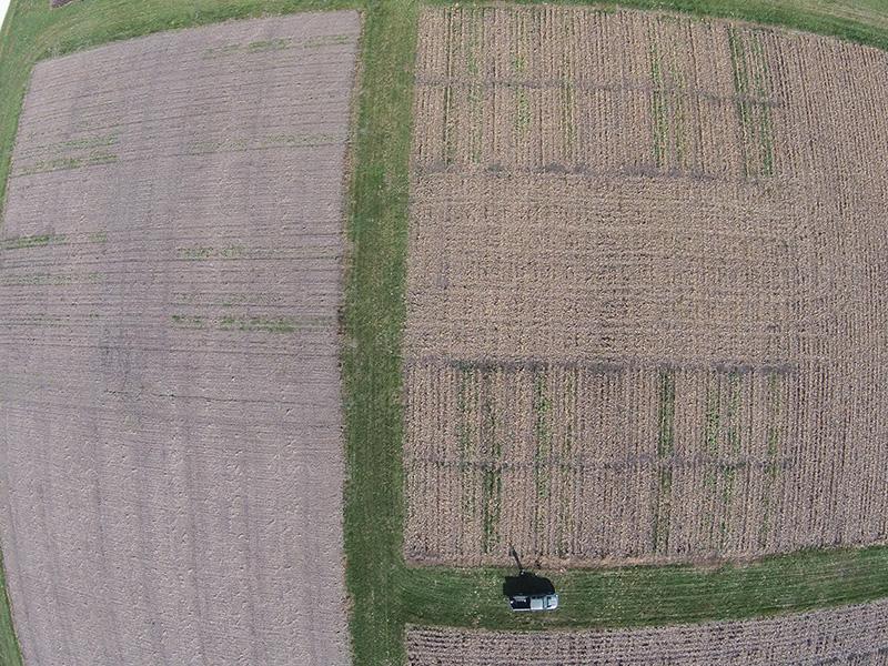 imagen de drone de campos